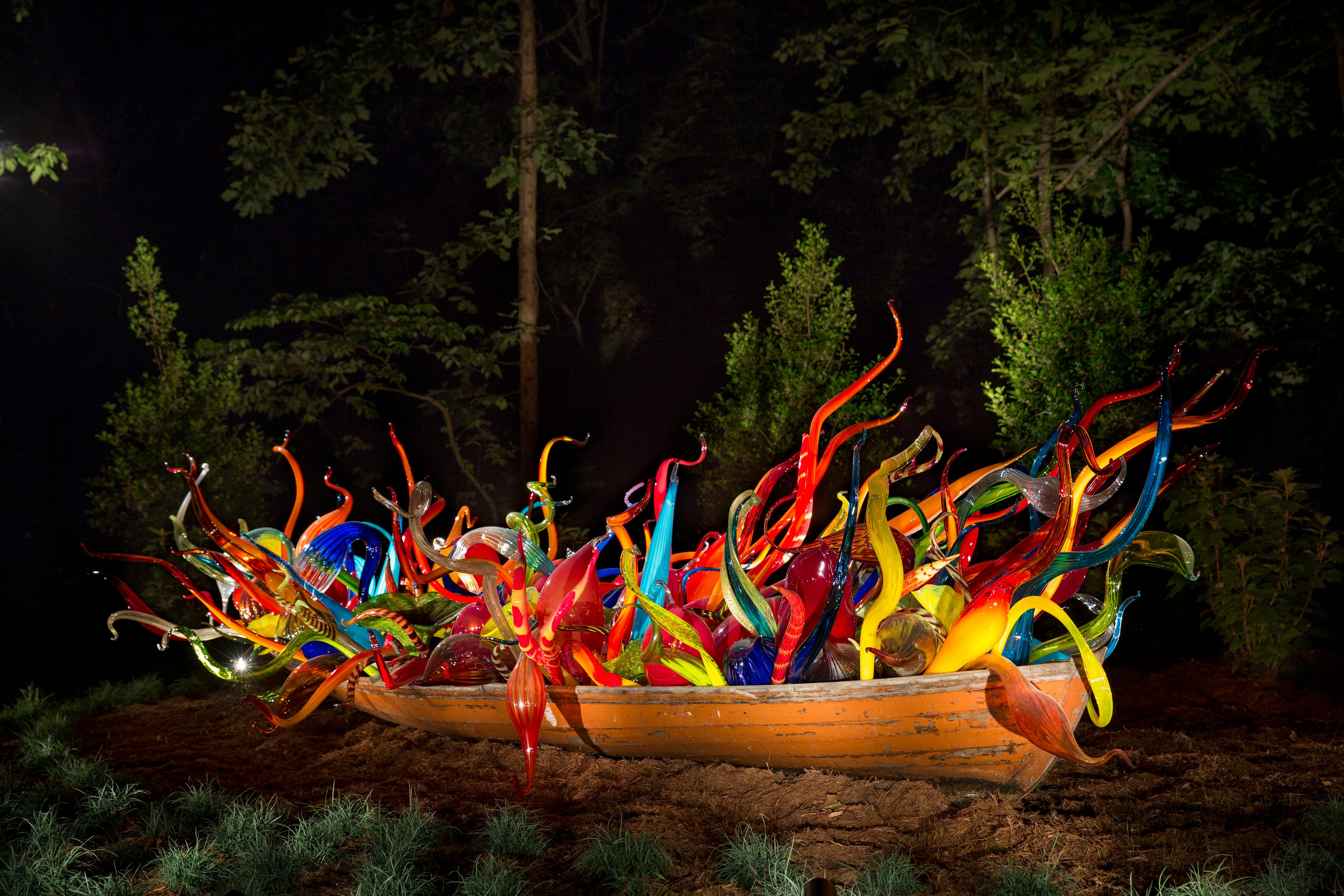 Fiori Boat by Dale Chihuly