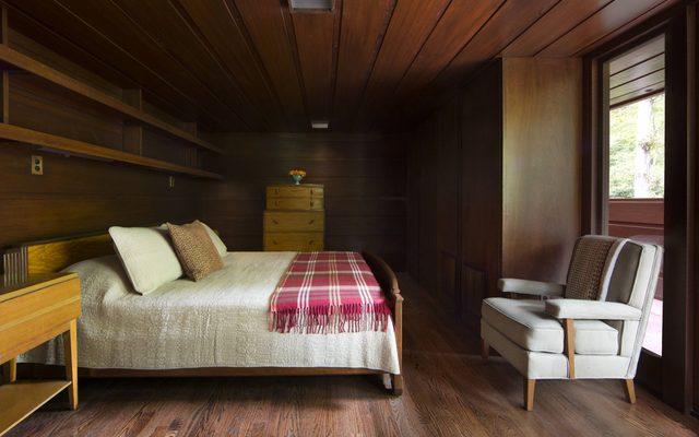 Master bedroom by Frank Lloyd Wright