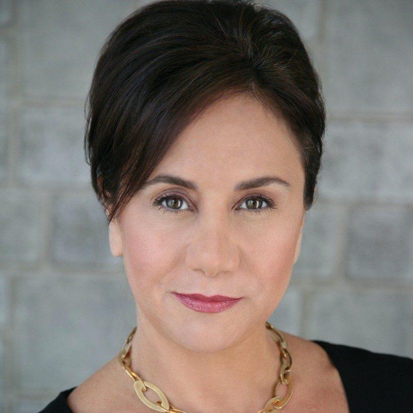 Rena De Sisto headshot