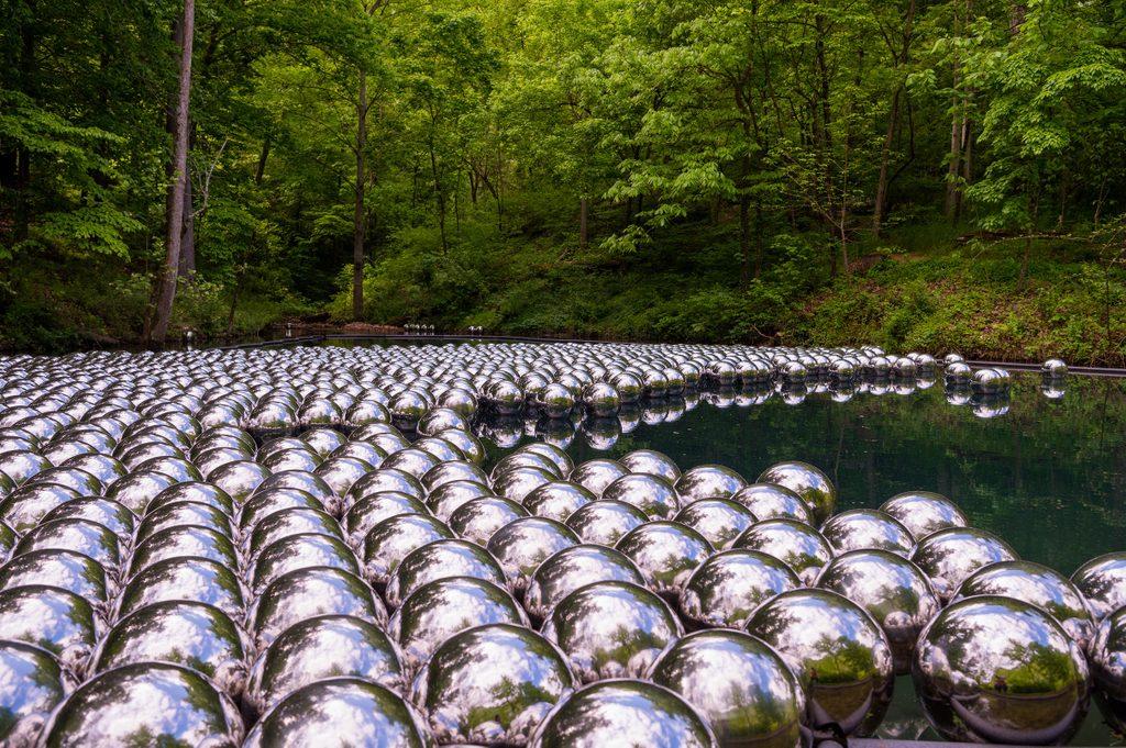 Yayoi Kusama, Narcissus Garden, 1966, stainless steel spheres. Courtesy of OZ Art. Courtesy of Ota Fine Art and Victoria Miro © YAYOI KUSAMA. Image courtesy of Ironside Photography.